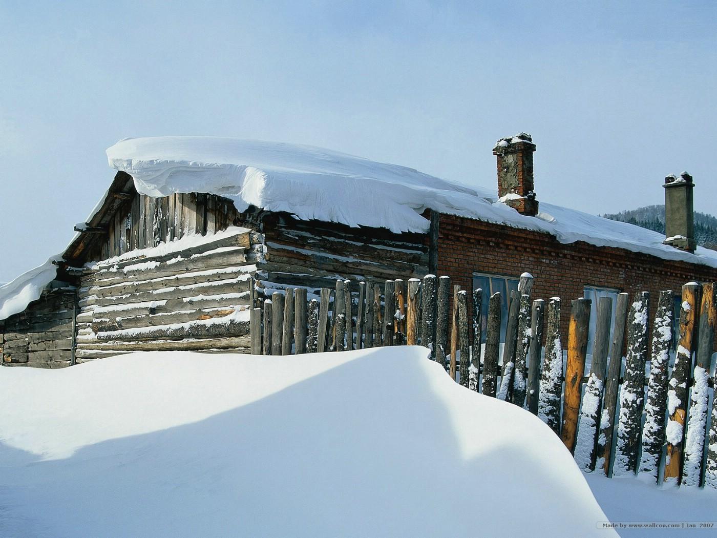 壁纸1400×1050冬天下雪的小村图片