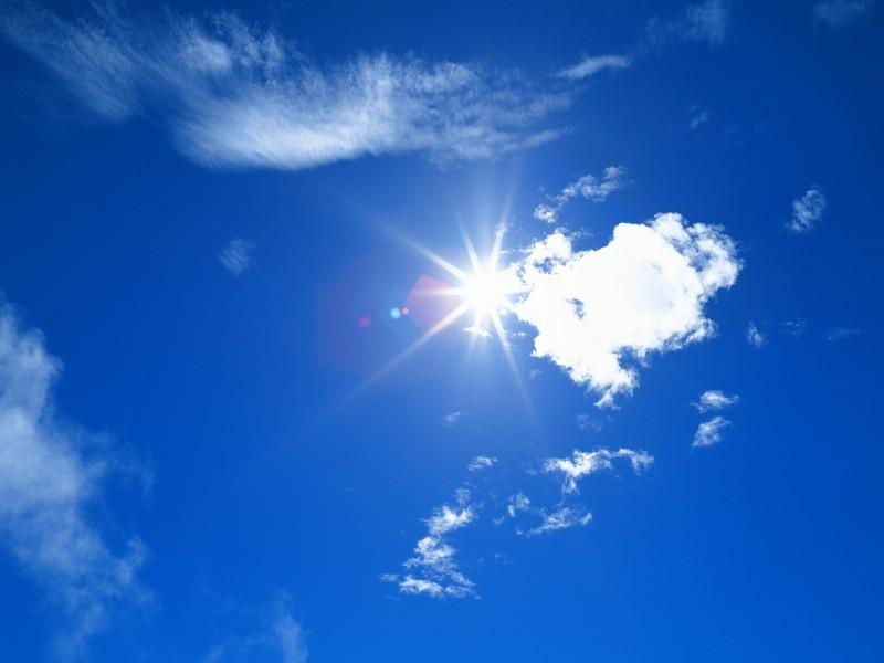 橡皮泥制作的太阳与白云图片_乐乐简笔画