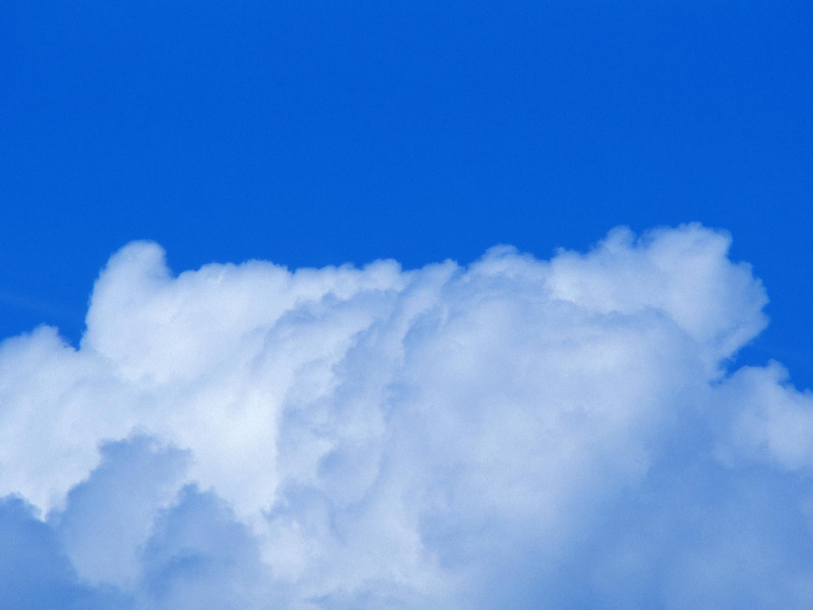 壁纸1600×1200棉花般的白云 蓝天白云图片壁纸 蔚蓝天空蓝天白云壁纸壁纸图片风景壁纸风景图片素材桌面壁纸