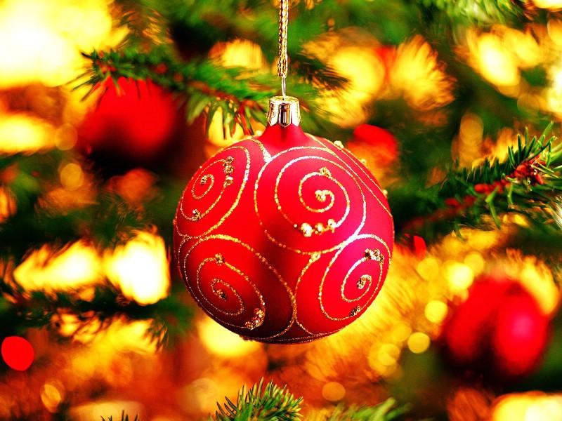 壁纸800×600圣诞节彩球挂件图片素材 1920 1600壁纸 五彩圣诞节彩球壁纸壁纸图片节日壁纸节日图片素材桌面壁纸