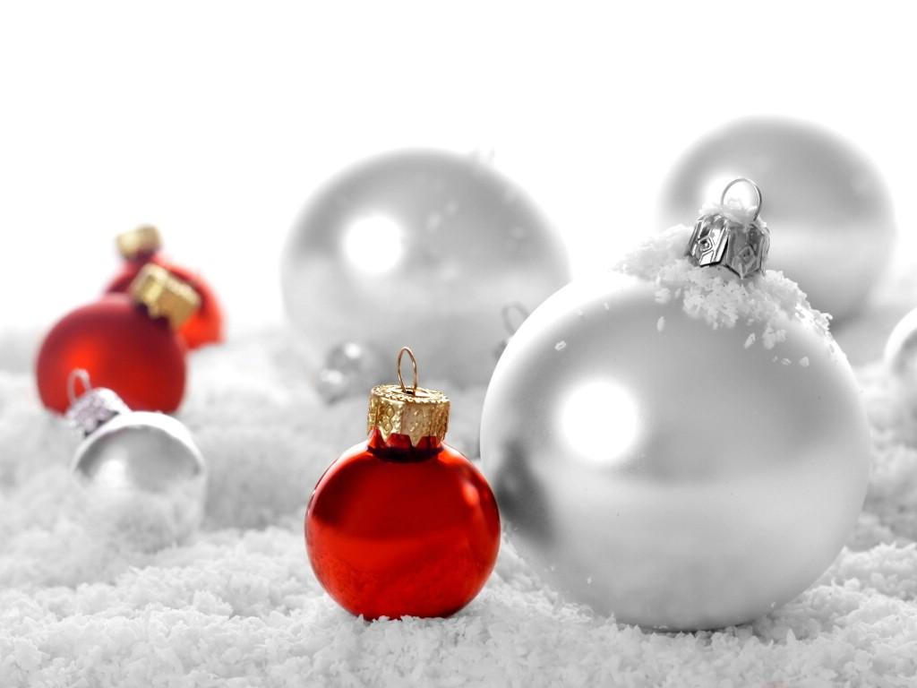 壁纸1024×768圣诞节彩球挂件图片素材 1920 1600壁纸 五彩圣诞节彩球壁纸壁纸图片节日壁纸节日图片素材桌面壁纸