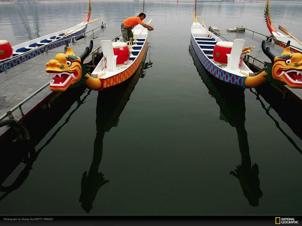 壁纸1024×768北京印象 国家地理摄影师眼中的北京新风貌 每年端午 人们都会举行龙舟比赛来纪念屈原 Beijing Dragon Boats壁纸 北京印象国家地理摄影师眼中的北京新风貌壁纸图片人文壁纸人文图片素材桌面壁纸
