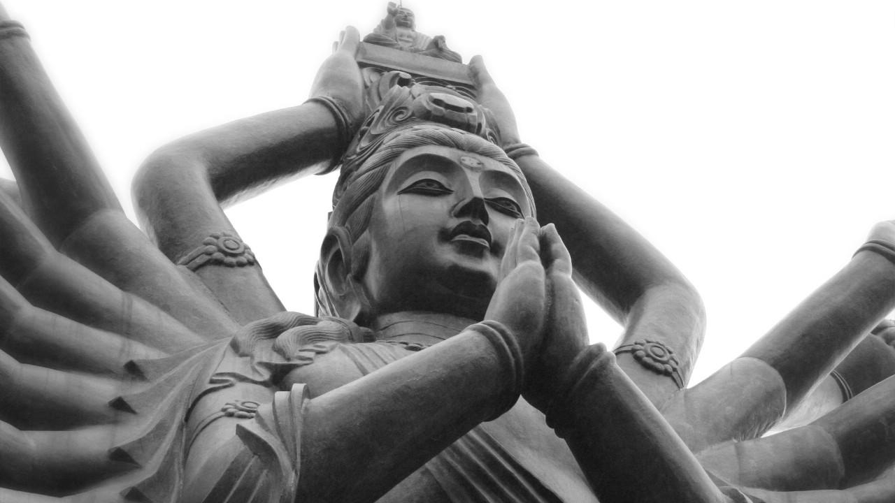 壁纸1280×720纯粹的光影美学 人文建筑黑白摄影壁纸 Buddhist Prayer China 中国千手观音桌面壁纸壁纸 纯粹的光影美学人文建筑黑白摄影壁纸壁纸图片人文壁纸人文图片素材桌面壁纸