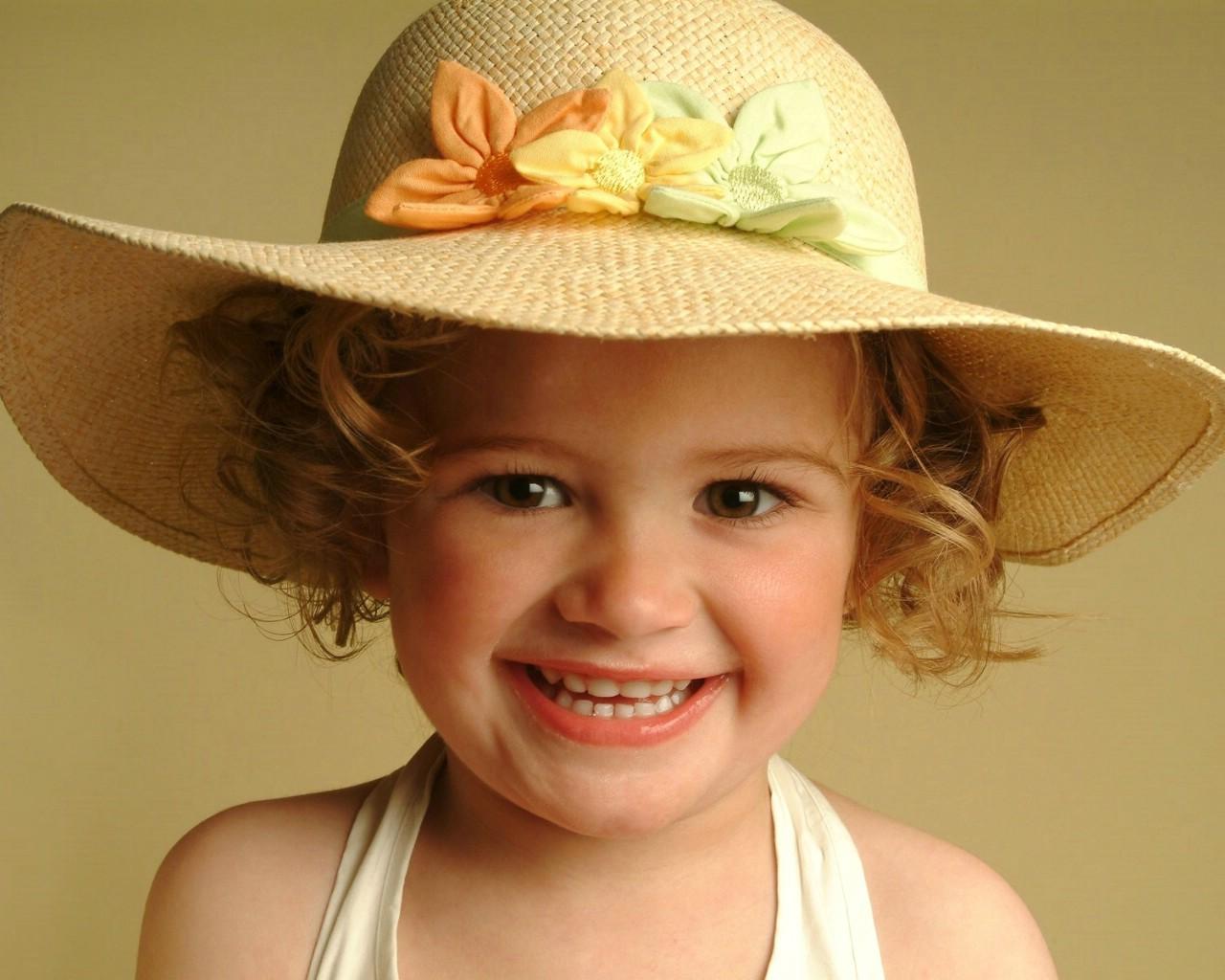 卷发女孩可爱手机可爱儿童摄影欧美小女生桌面壁纸【可爱小孩电脑