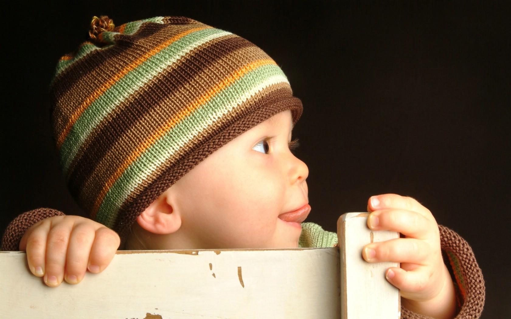 壁纸1680×1050可爱婴儿摄影