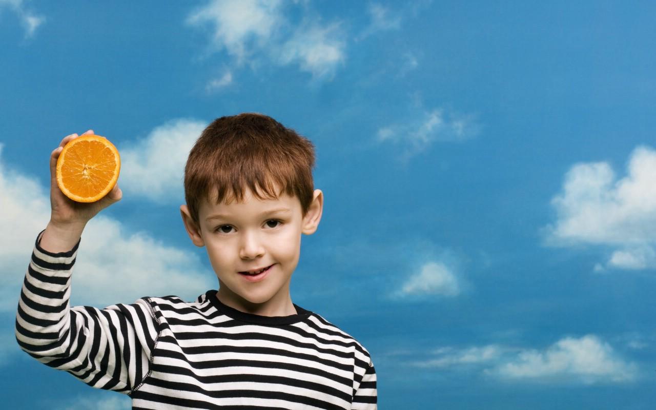 壁纸1280×800可爱小孩大头照壁纸壁纸
