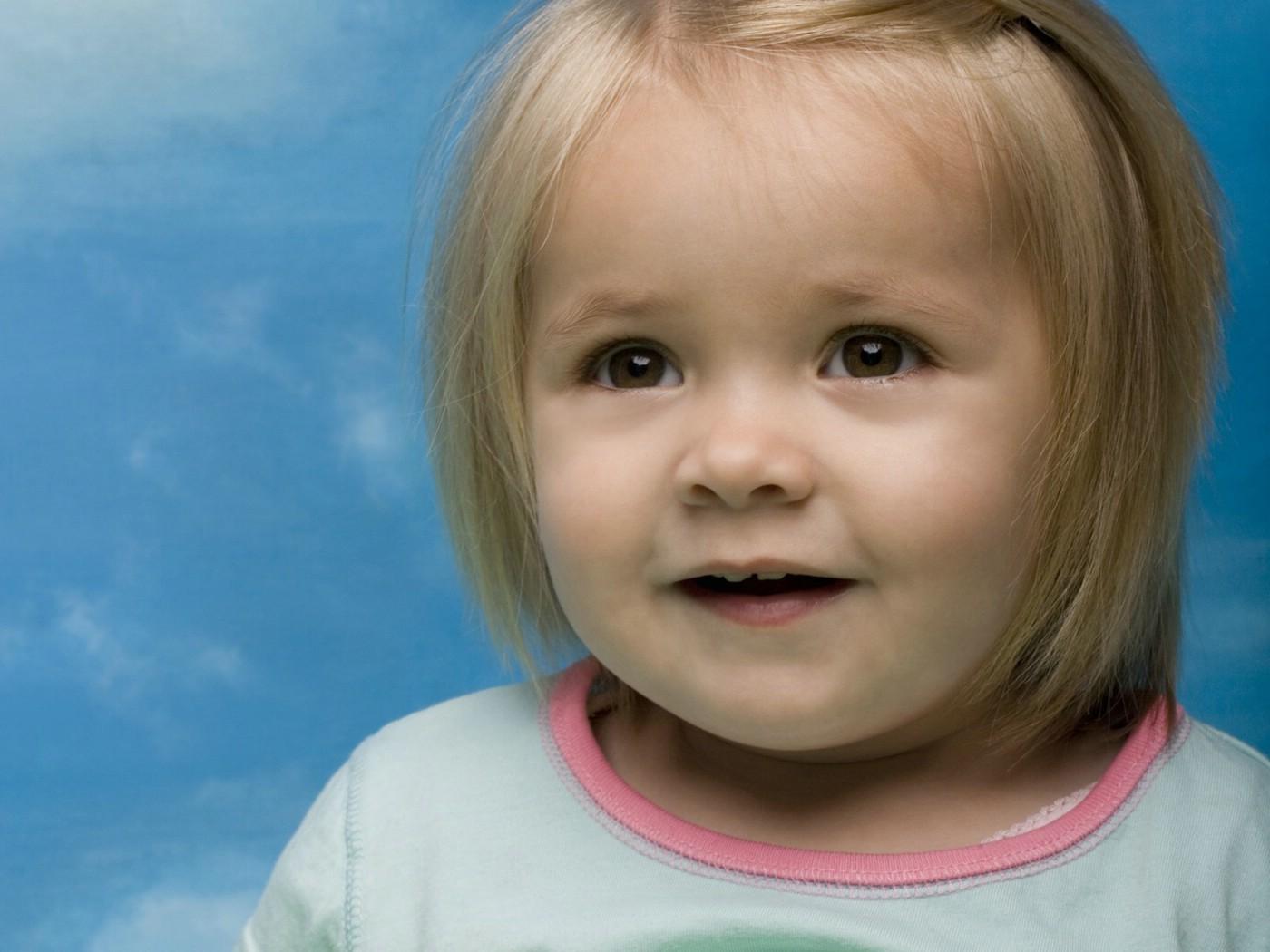 外国小孩的qq号_壁纸1400×1050可爱小孩大头照壁纸壁纸,国外儿童摄影壁纸(第二辑 ...