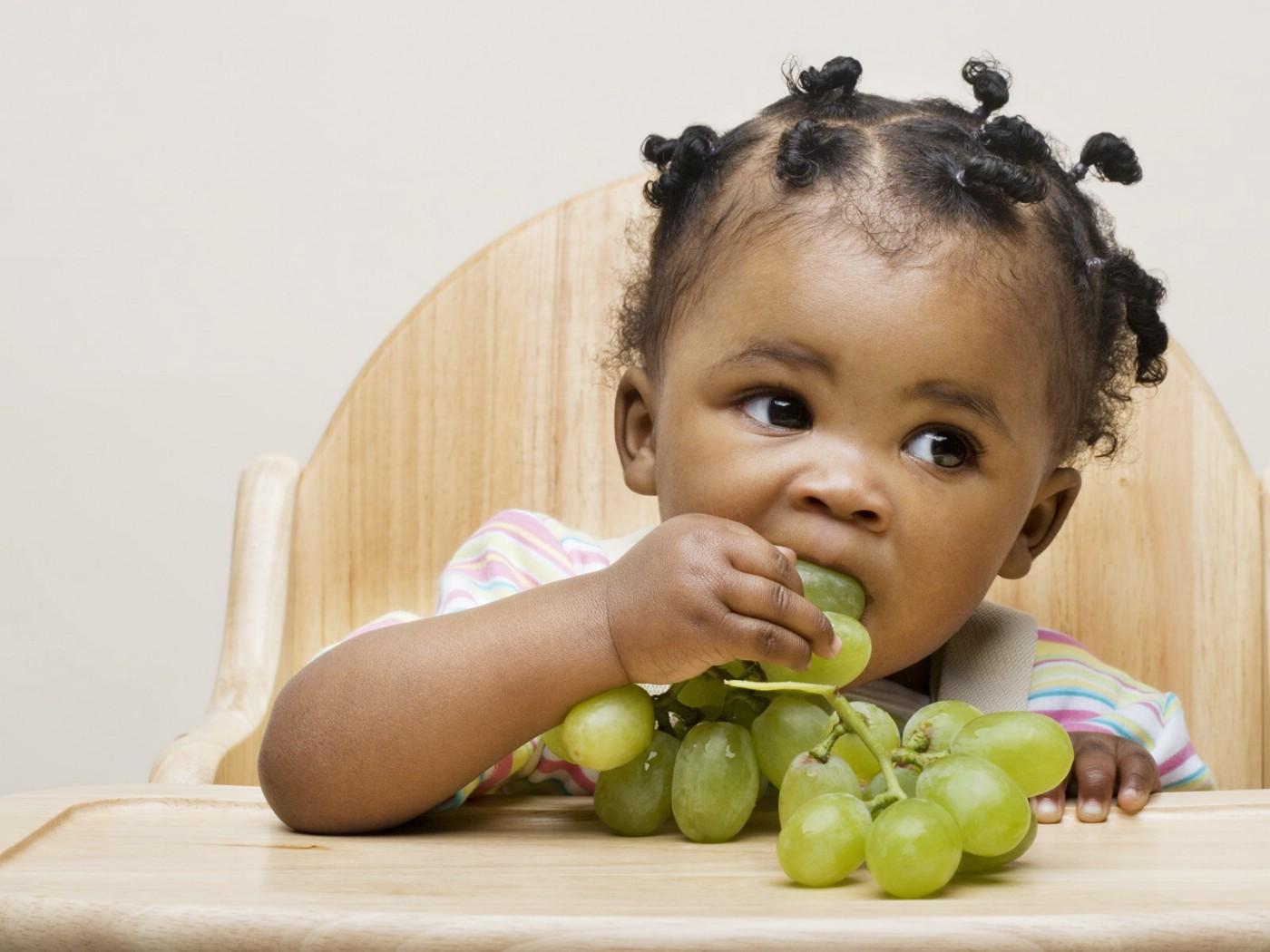 壁纸1400×1050可爱黑人宝宝