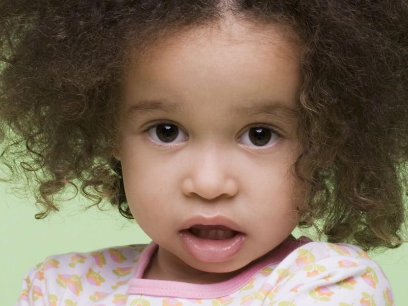 外国小孩的qq号_壁纸800×600可爱小卷毛 外国儿童摄影图片壁纸,国外儿童摄影壁纸 ...