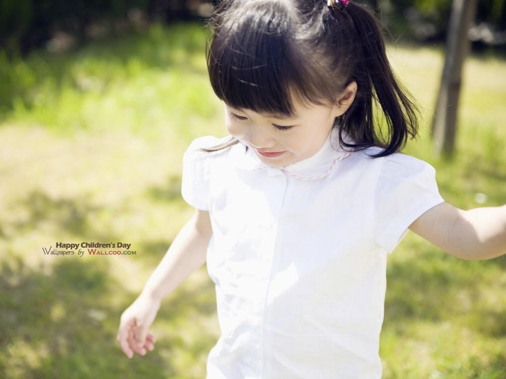超可爱漂亮女孩_系统壁纸_其它可爱的外国摇滚女孩吉他舞动青春动漫